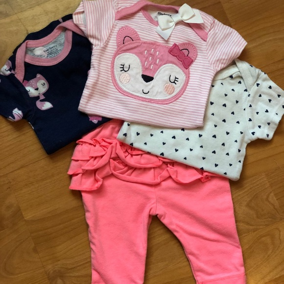 Gerber Other - New Born Lot!! 4 pc lot